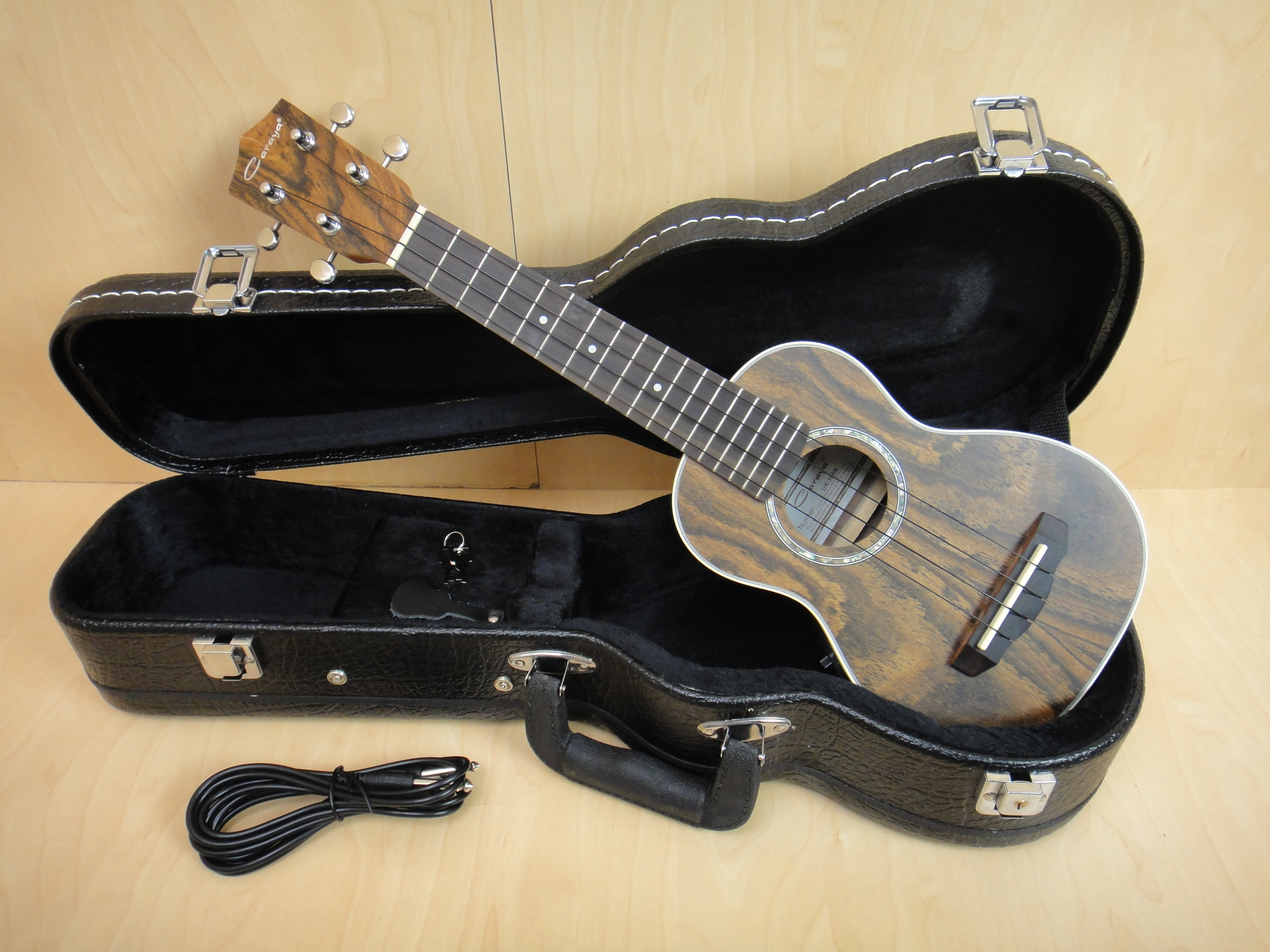 Gosilla 8013 Spruce Rosewood Acoustic Guitar W Fishman Eq